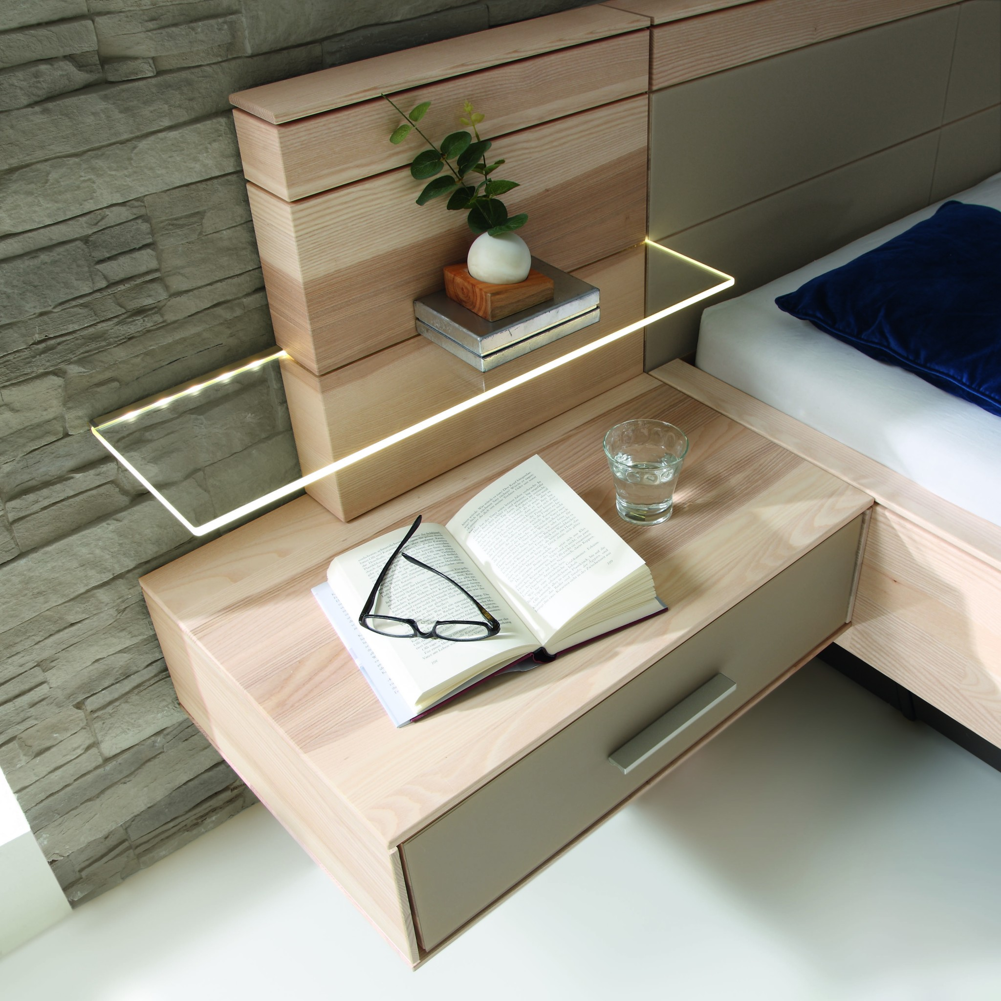 mira detail h ngenachtk stchen m bel polt m belhaus. Black Bedroom Furniture Sets. Home Design Ideas