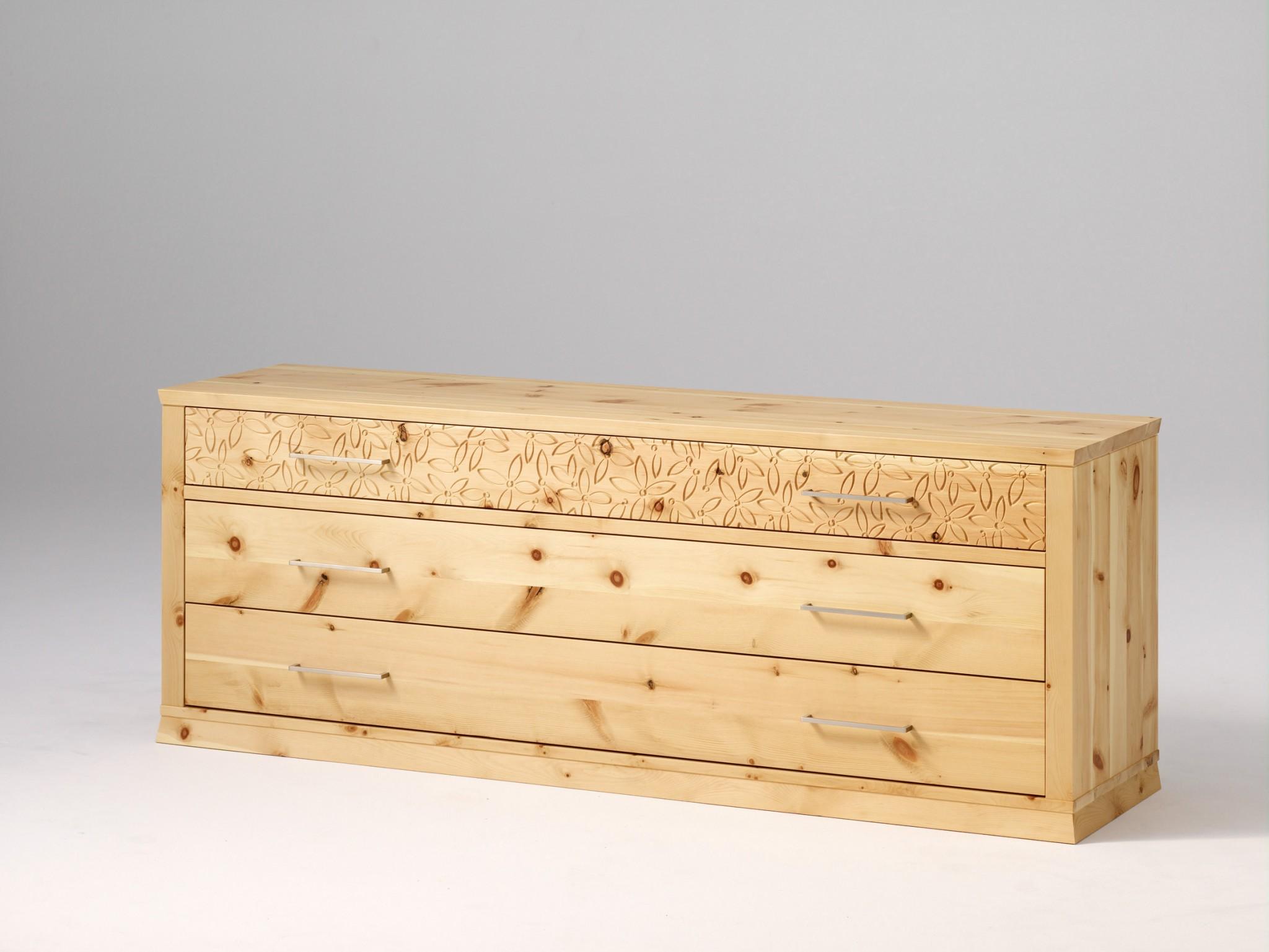 Massivholz zirbenbett tares inkl 2 nachtk stchen in for Kommode zirbenholz