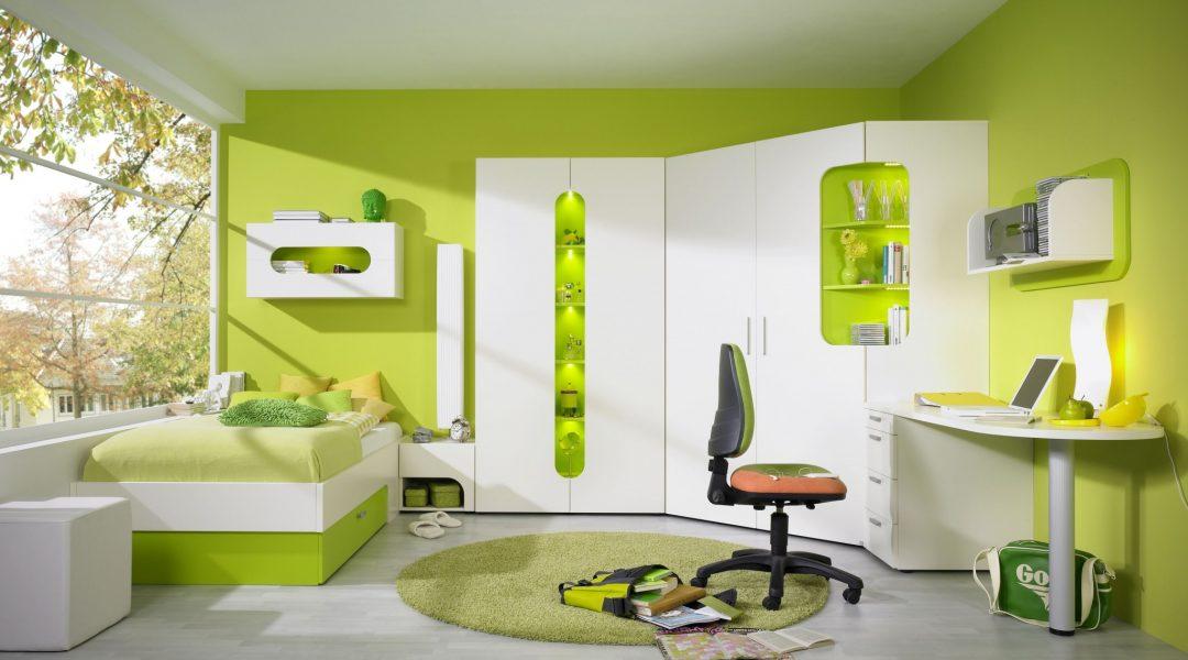 Jugendzimmer MAXI mit funktionellem Eckschrank und bunt lackierten ...