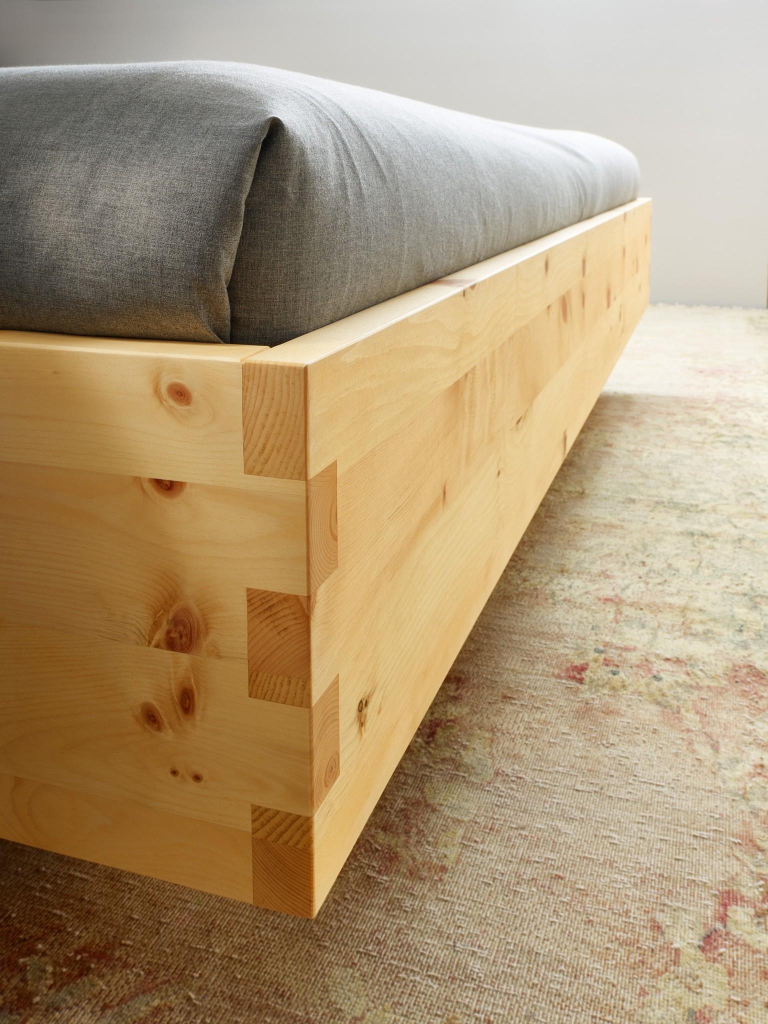 massivholzbett paso in zirbe ge lt oder naturbelassen m bel polt m belhaus. Black Bedroom Furniture Sets. Home Design Ideas