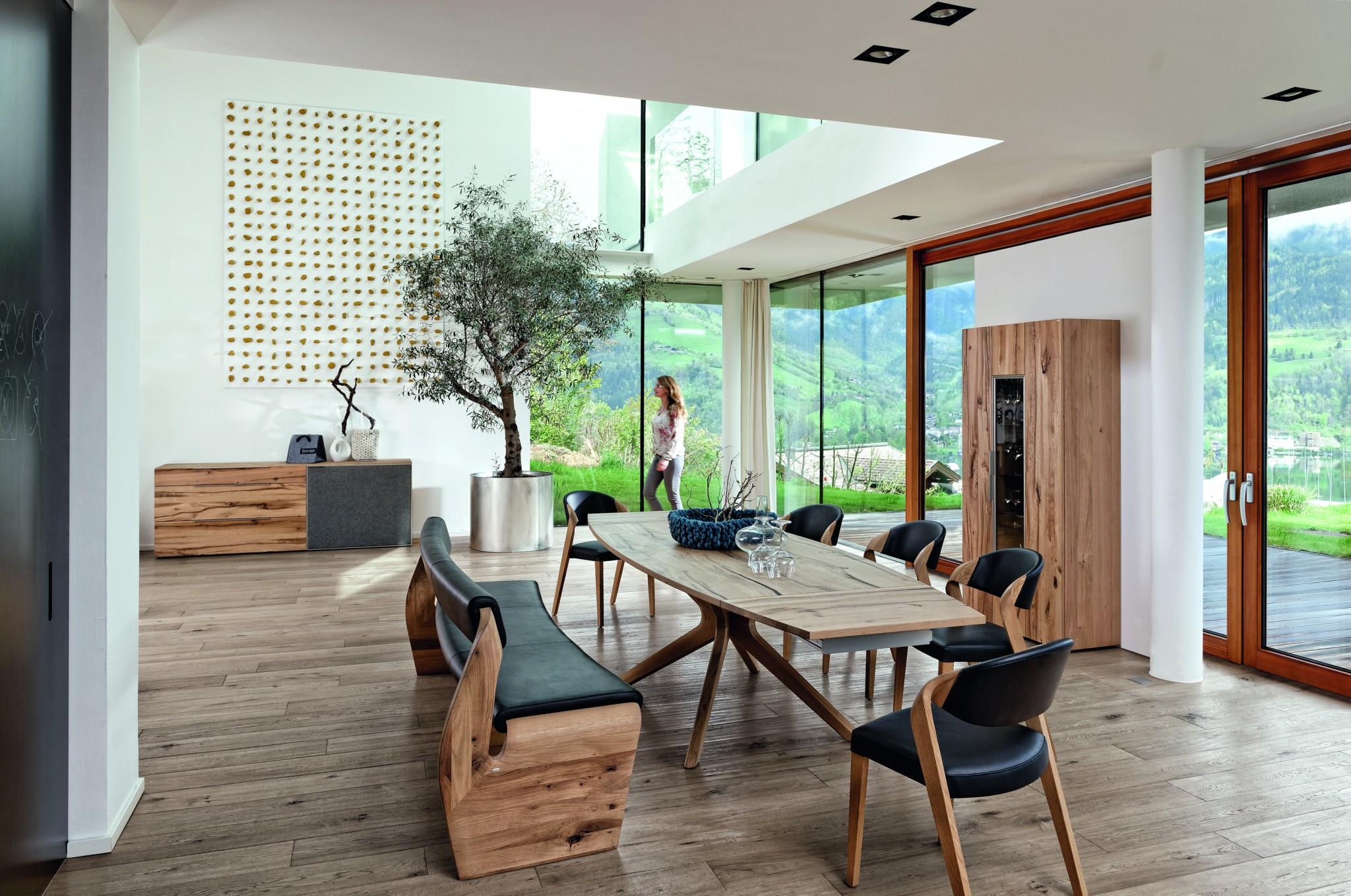 stuhl v alpin auf eiche altholz ge lt von voglauer mit lederbezug 298 m bel polt m belhaus. Black Bedroom Furniture Sets. Home Design Ideas