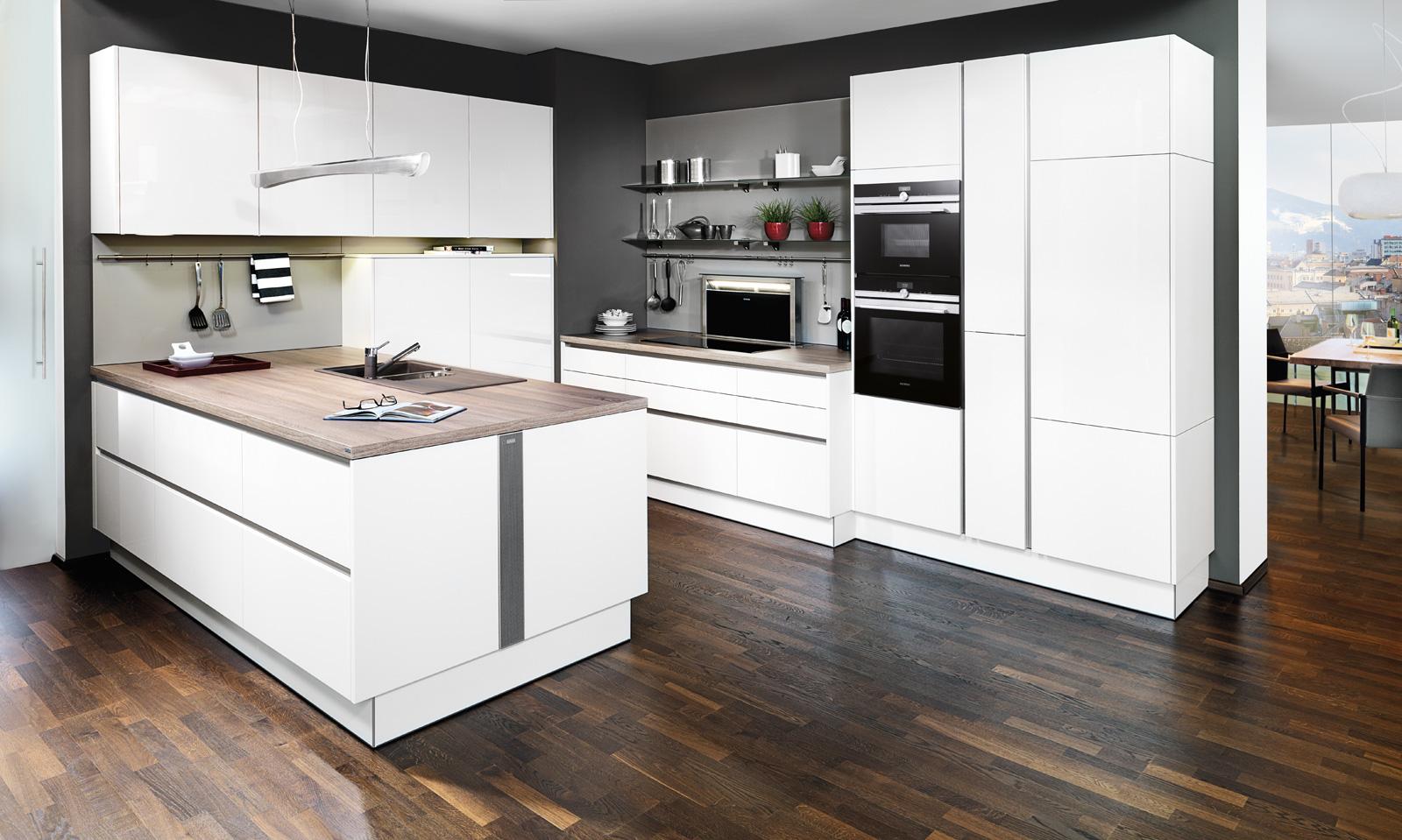 Tolle, Perfekt Geplante Küchen Erwarten Sie Im Möbelpolt Küchenstudio.  Laufende Aktionen Wie Laufmeterpreise Mit Aufwändiger Grundausstattung Ab U20ac  790.