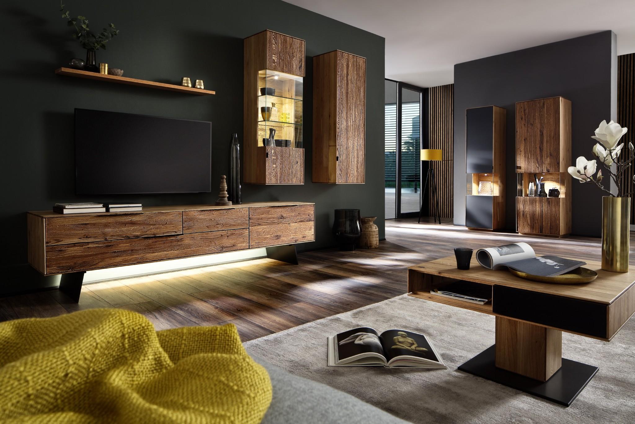 fabulous wohnzimmer mbel medo in eiche massiv gelt fronten in uriger haptik with eiche massiv